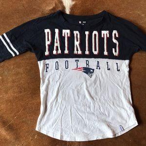 Patriots Long-sleeved Vintage Football Tee